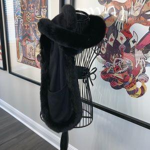 STUNNING La Fiorentina black cashmere fox scarf